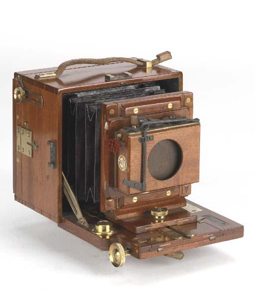 Alpha tropical hand camera