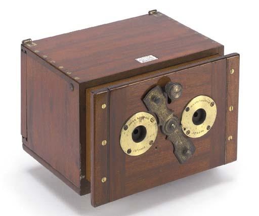 Stereoscopic sliding box camer