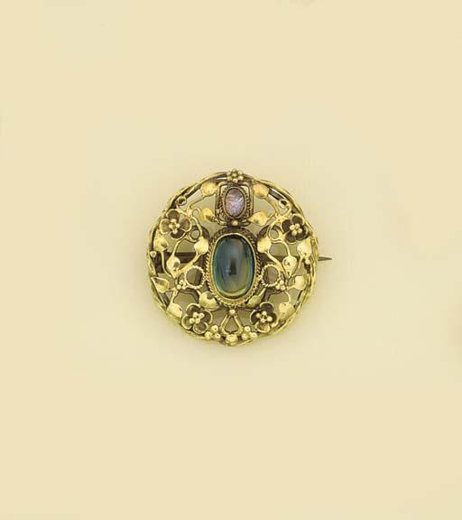 An Arts & Crafts gold, sapphir
