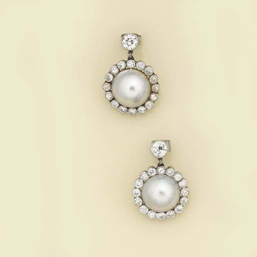 A pair of mabe cultured pearl