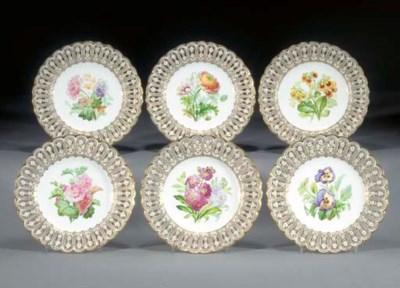 Six Minton dessert plates