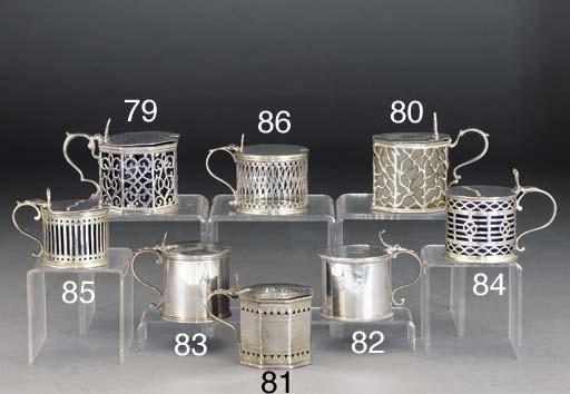 A plain George III silver Must