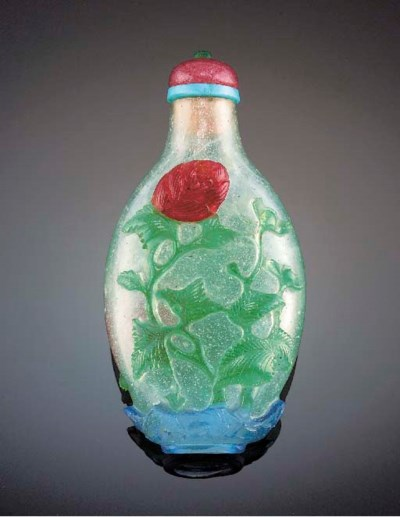 A three-colour overlay glass s