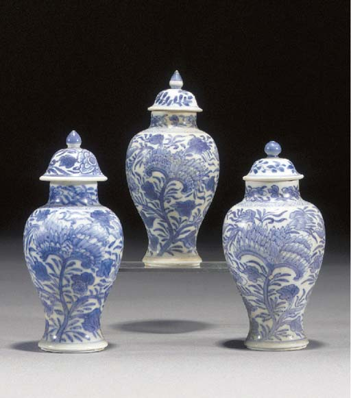 Three similar Chinese blue and