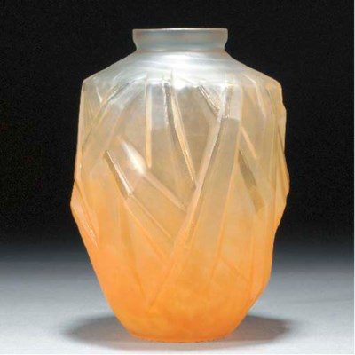 A Schneider moulded clear and