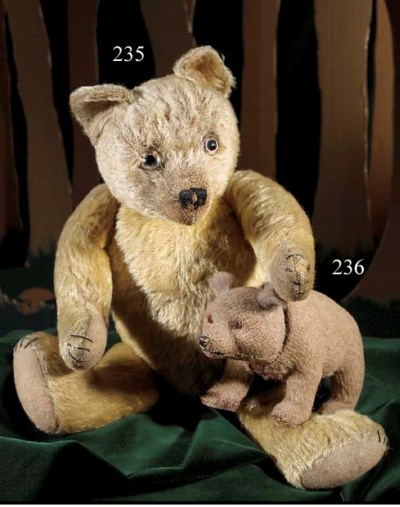 A composition nodding bear