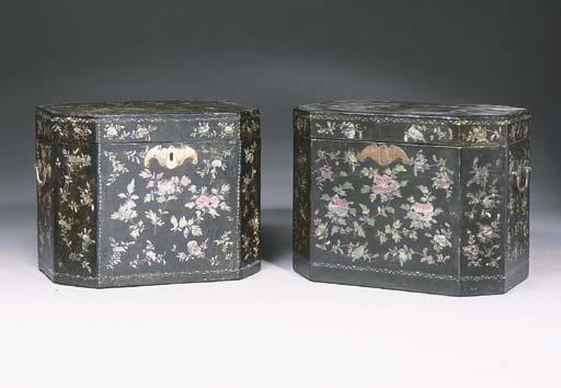 Two similar lac bergaute boxes