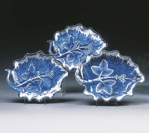 Three Bow blue and white leaf