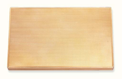 A GOLD CASE, BY VAN CLEEF & AR