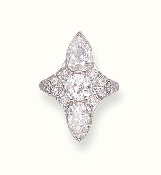 A DELICATE ART DECO DIAMOND RI
