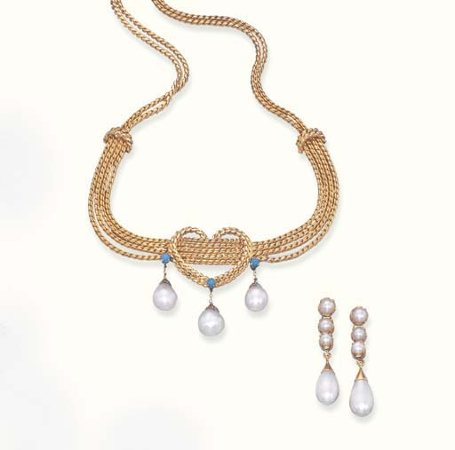 A SET OF PEARL AND GOLD JEWELL