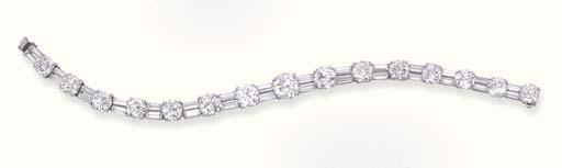 A DIAMOND BRACELET, BY VAN CLE