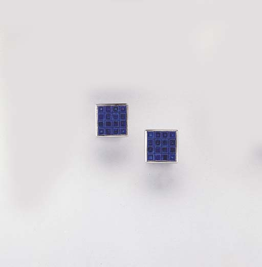 A PAIR OF SAPPHIRE AND 18K WHI