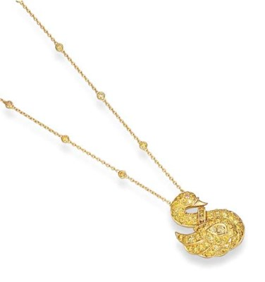 A YELLOW DIAMOND SWAN PENDANT