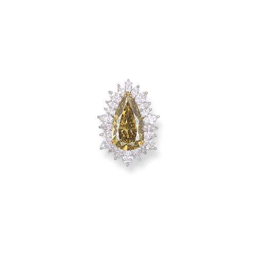 A BROWN DIAMOND AND DIAMOND PE