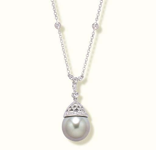 A TAHITIAN PALE GREY CULTURED PEARL AND DIAMOND NECKLACE