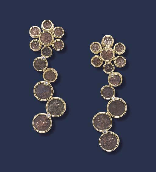 A PAIR OF ROMAN BRONZE COIN, D