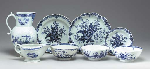 A GROUP OF WORCESTER BLUE AND WHITE TEA AND COFFEE WARES