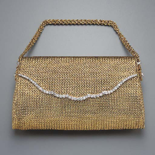 A LADY'S GOLD AND DIAMOND EVENING BAG