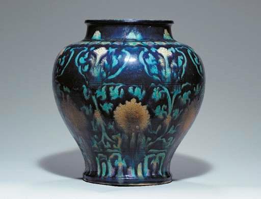A Fahua Baluster Jar,