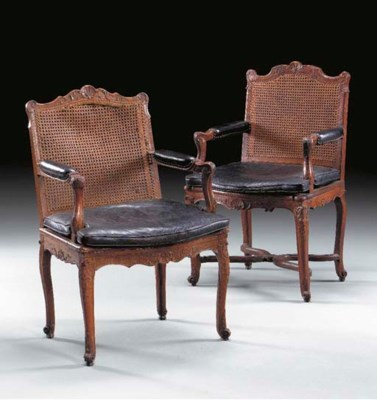 A MATCHED PAIR OF REGENCE BEEC