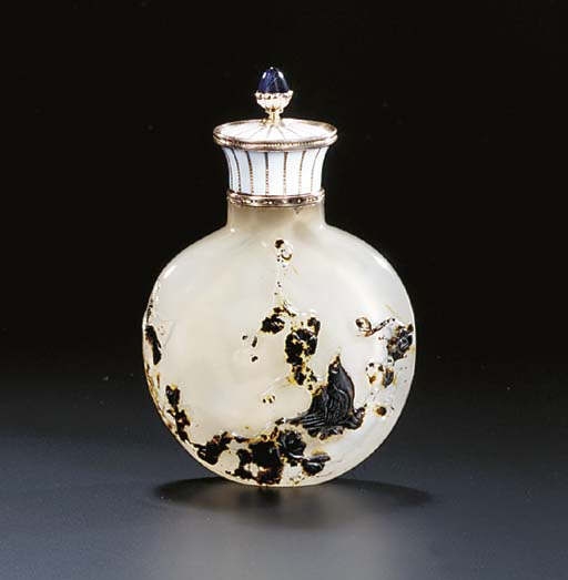 A JEWELLED GOLD MOUNTED CHAMPLEVÉ ENAMEL AGATE SCENT-BOTTLE