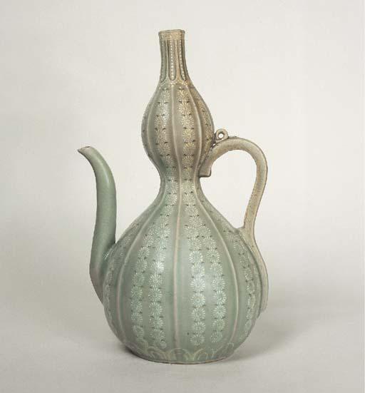 An Inlaid Celadon Stoneware Ew