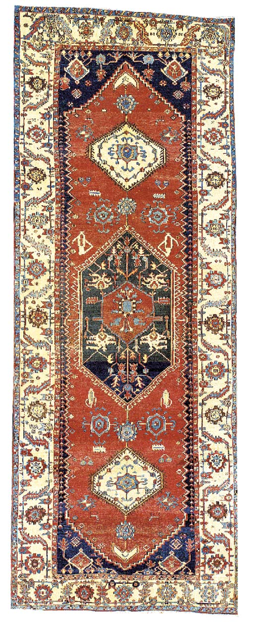 A HERIZ GALLERY CARPET,