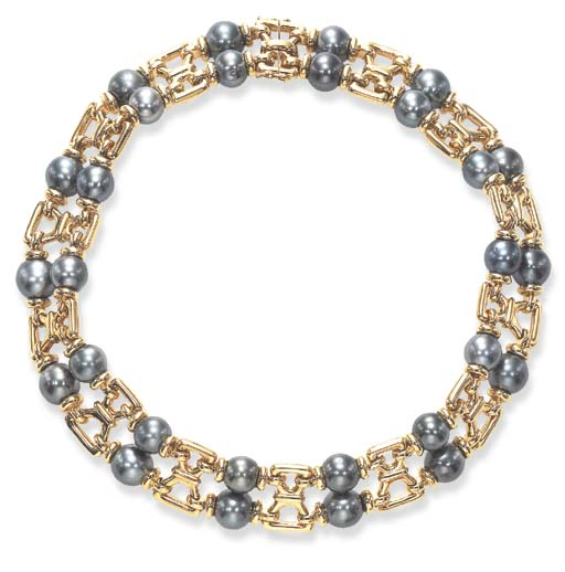A BLACK CULTURED PEARL AND GOLD NECKLACE