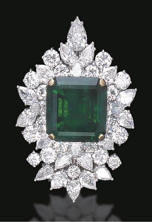 A SPECTACULAR EMERALD AND DIAMOND BROOCH