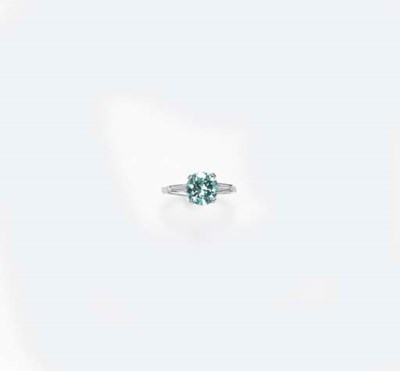 A BLUISH GREEN DIAMOND RING