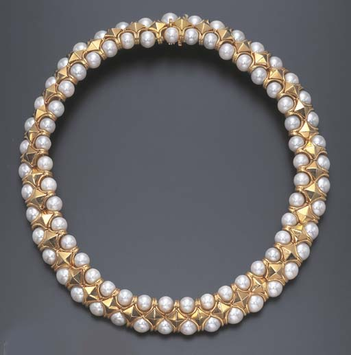 A CULTURED PEARL AND GOLD NECK