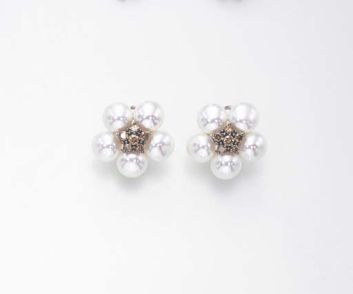 A PAIR OF CULTURED PEARL AND BROWN DIAMOND EAR CLIPS