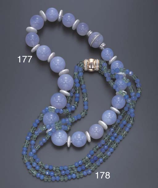 A TRIPLE-STRAND EMERALD AND BLUE CHALCEDONY NECKLACE