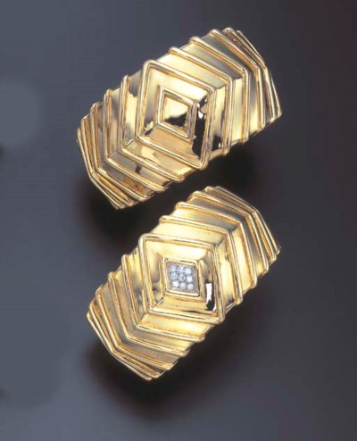 A PAIR OF DIAMOND AND GOLD BAN