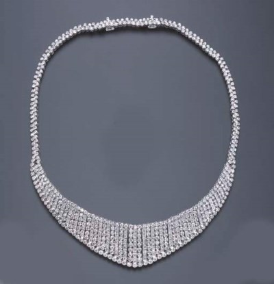 A DIAMOND BIB NECKLACE