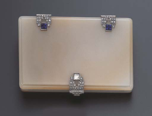 AN ART DECO AGATE, DIAMOND AND