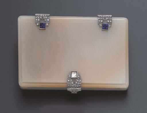 AN ART DECO AGATE, DIAMOND AND LAPIS LAZULI CIGARETTE CASE