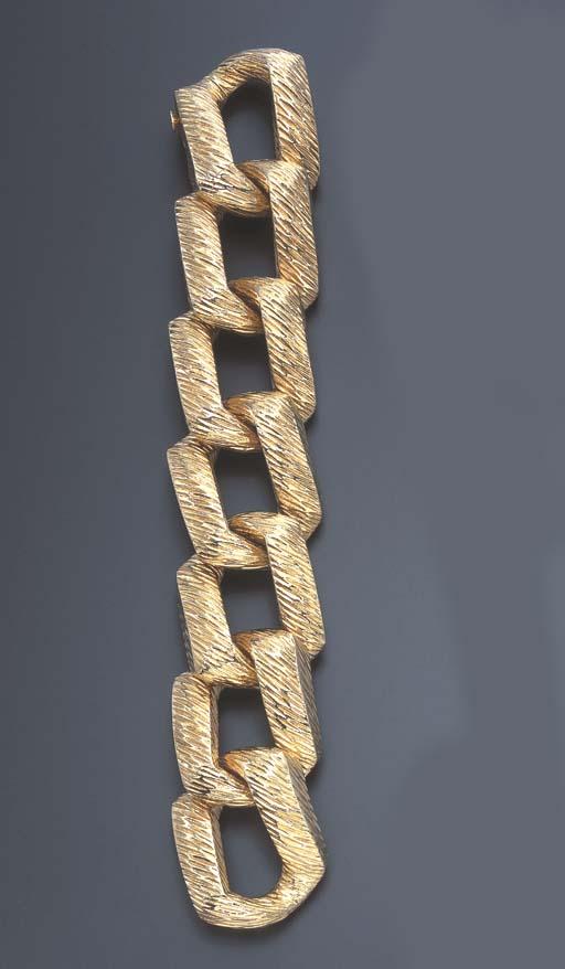 A GOLD BRACELET, BY WANDER