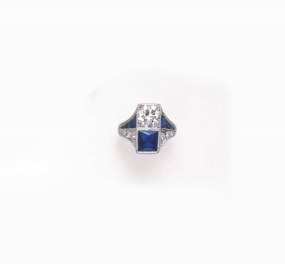 AN ART DECO SIMULATED SAPPHIRE