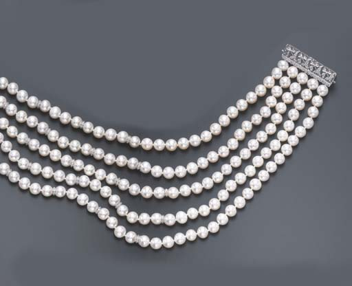 A FIVE-STRAND CULTURED PEARL A
