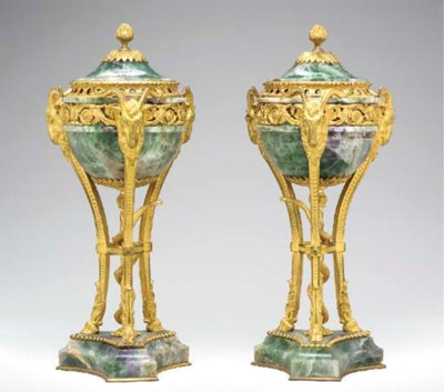 A PAIR OF ORMOLU-MOUNTED FLUOR