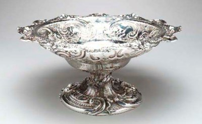 A SILVER FRUIT BOWL,