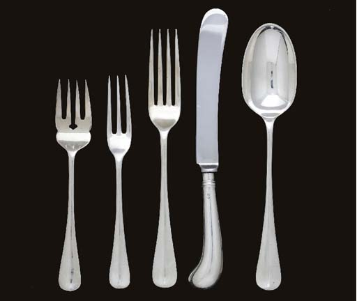 AN ELIZABETH II OLD ENGLISH PATTERN SILVER FLATWARE SERVICE,