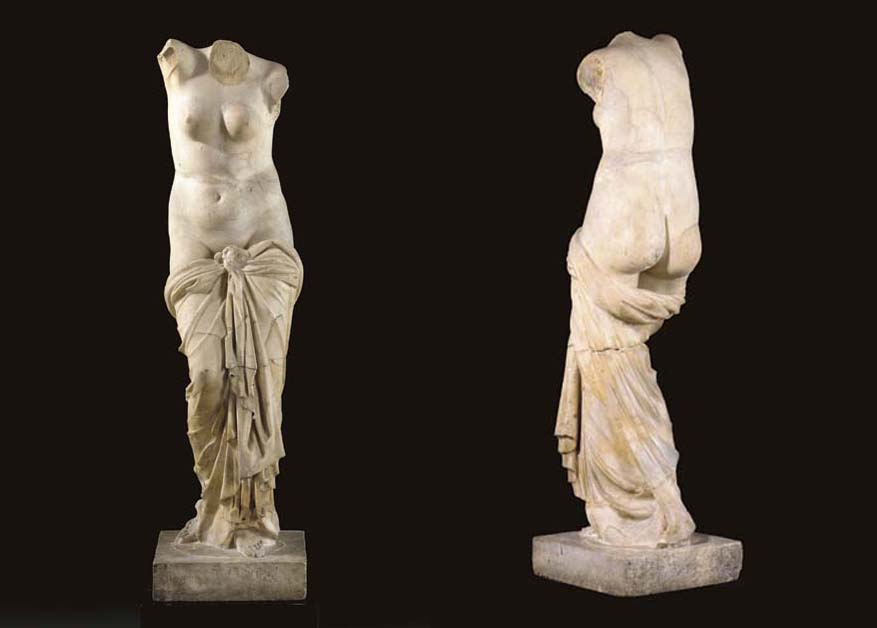 A ROMAN MARBLE FIGURE OF VENUS
