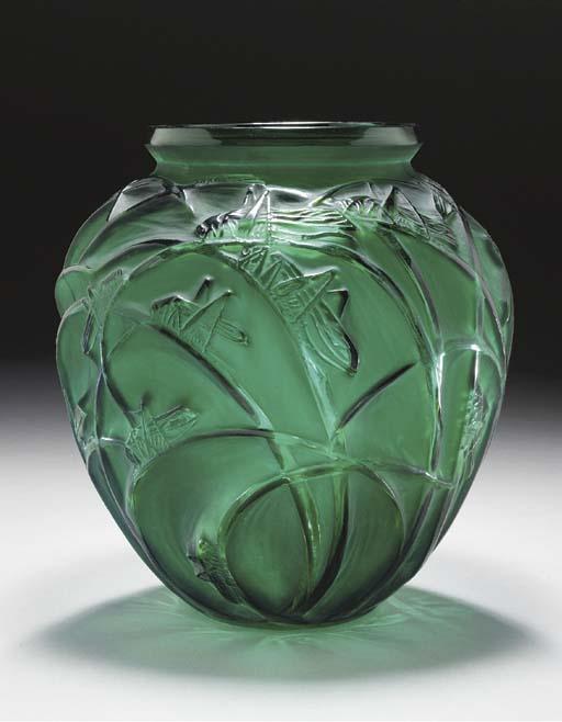 'SAUTERELLES', A GREEN GLASS V