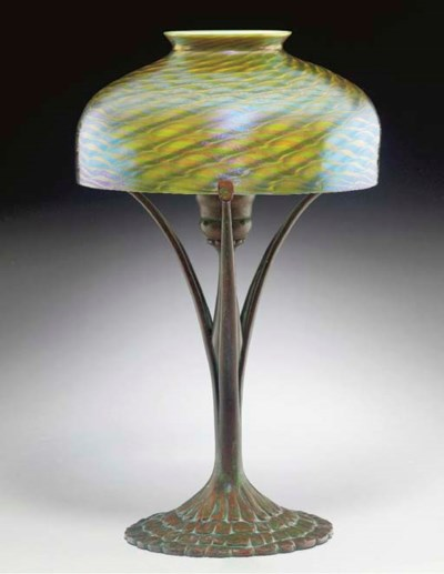 A FAVRILE GLASS AND BRONZE DES