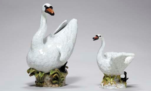 TWO MEISSEN MODELS OF SWANS,