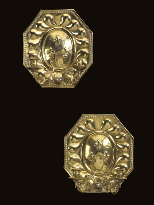 A PAIR OF REGENCE STYLE BRASS