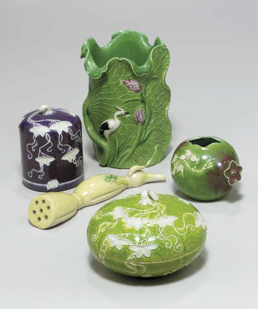 A GROUP OF TEN CHINESE PORCELA